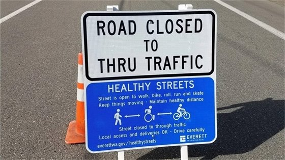 Healthy Streets road sign