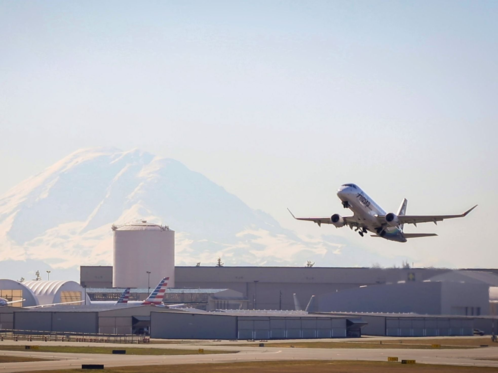 Plane taking off at Paine Field Everett