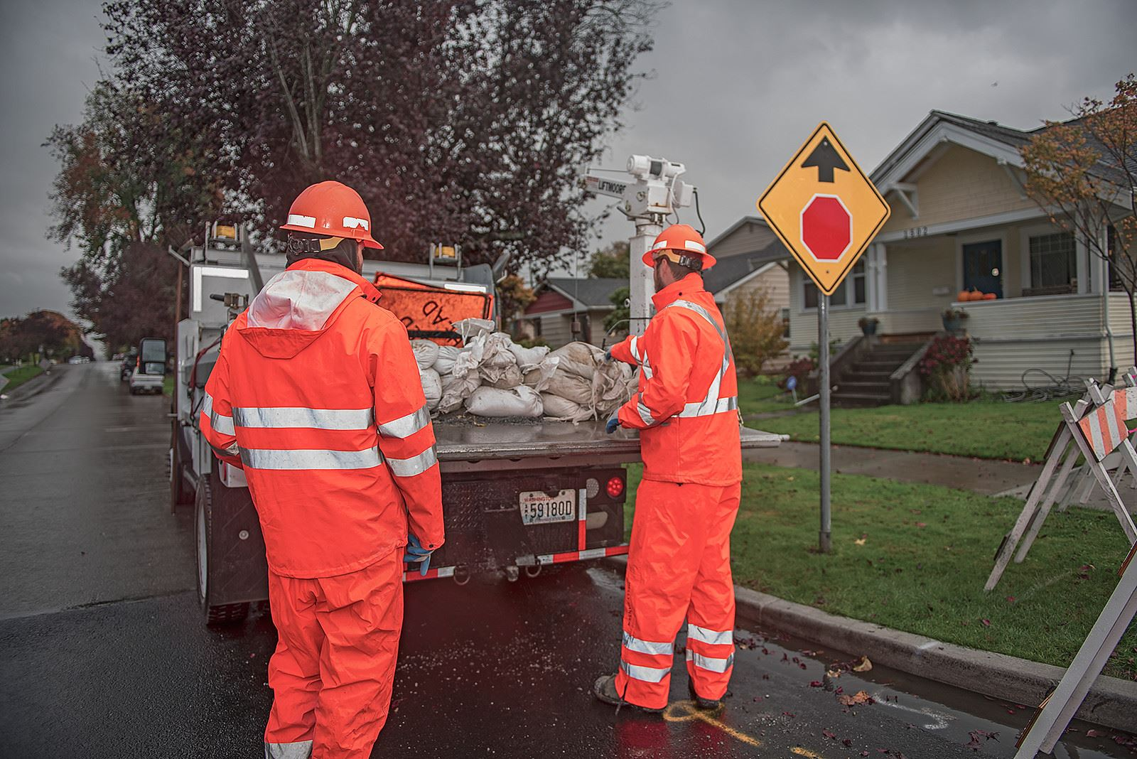 City crews prepare for stormy weather