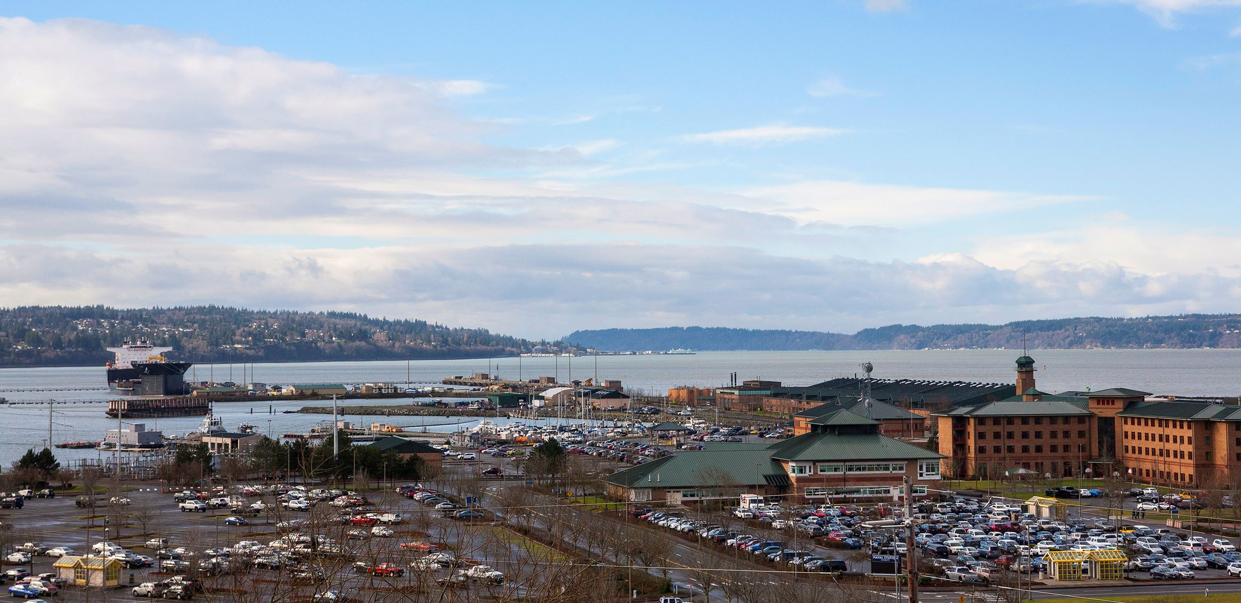 Everett Grand Ave. View of Navy and Port